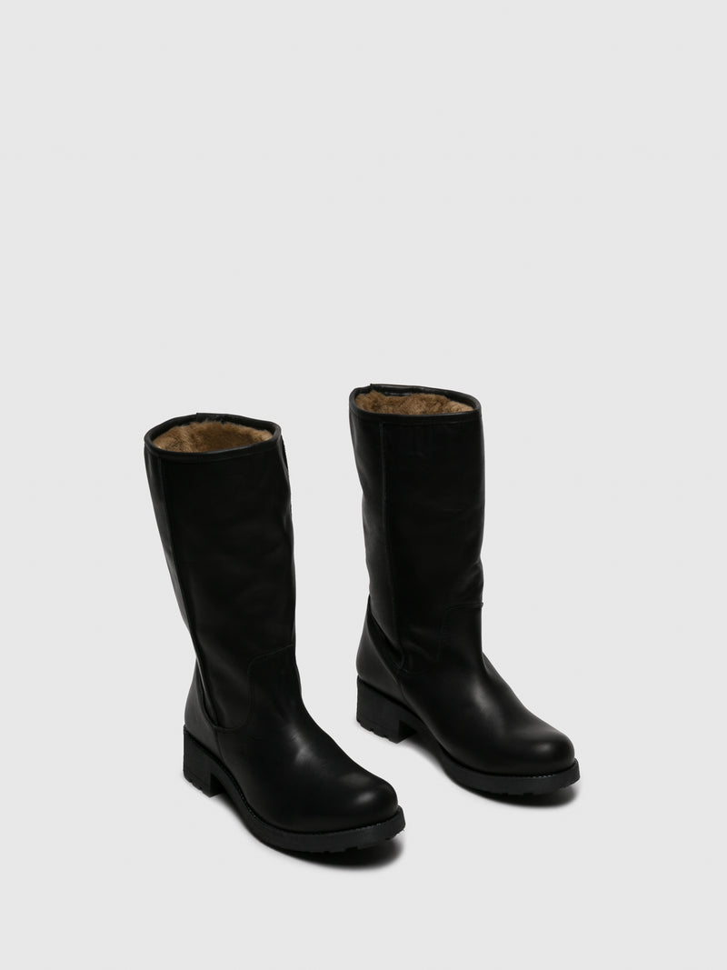 Black Round Toe Boots
