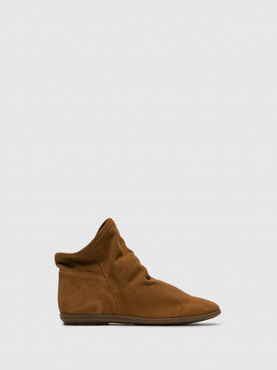 Sotoalto Brown Round Toe Ankle Boots