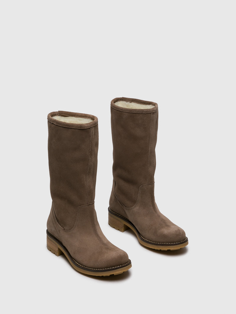 Tan Round Toe Boots