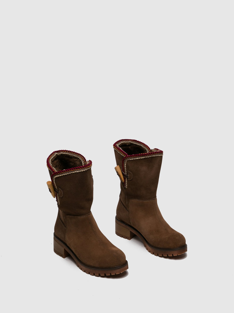 Brown Suede Round Toe Boots