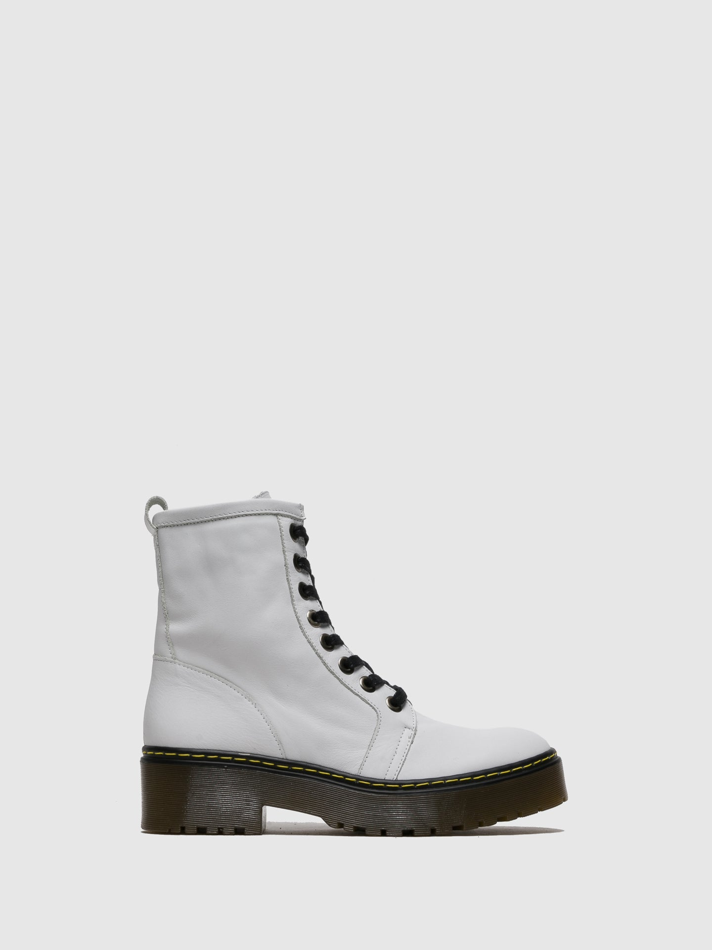 Sotoalto White Zip up Boots