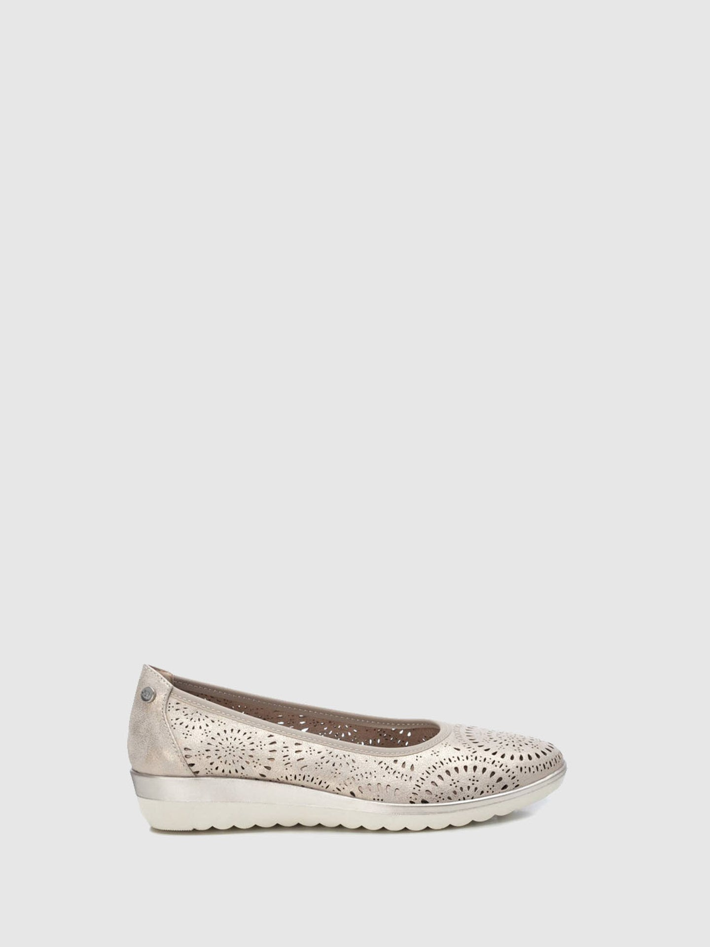 XTI Gold Wedge Ballerinas