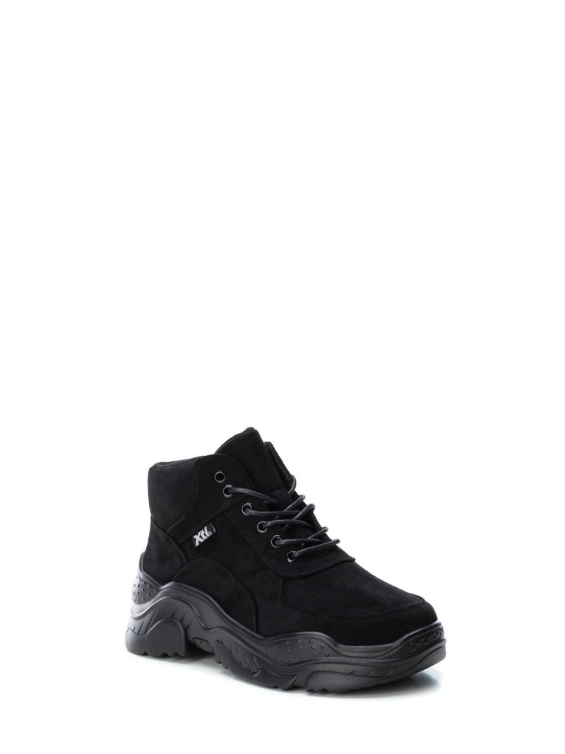XTI Black Hi-top Trainers