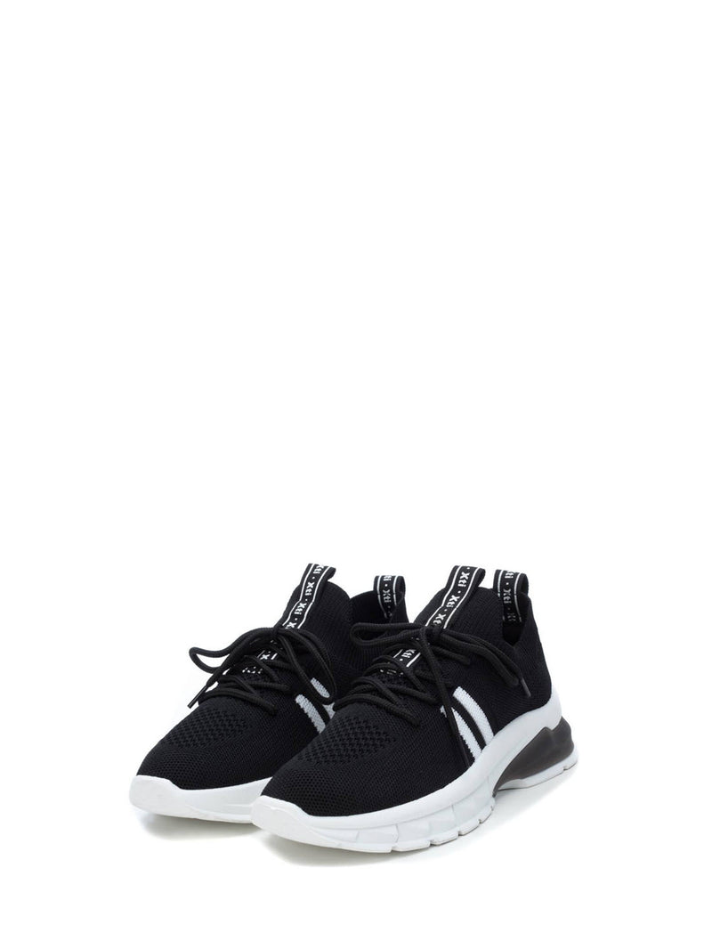 XTI Black Runners
