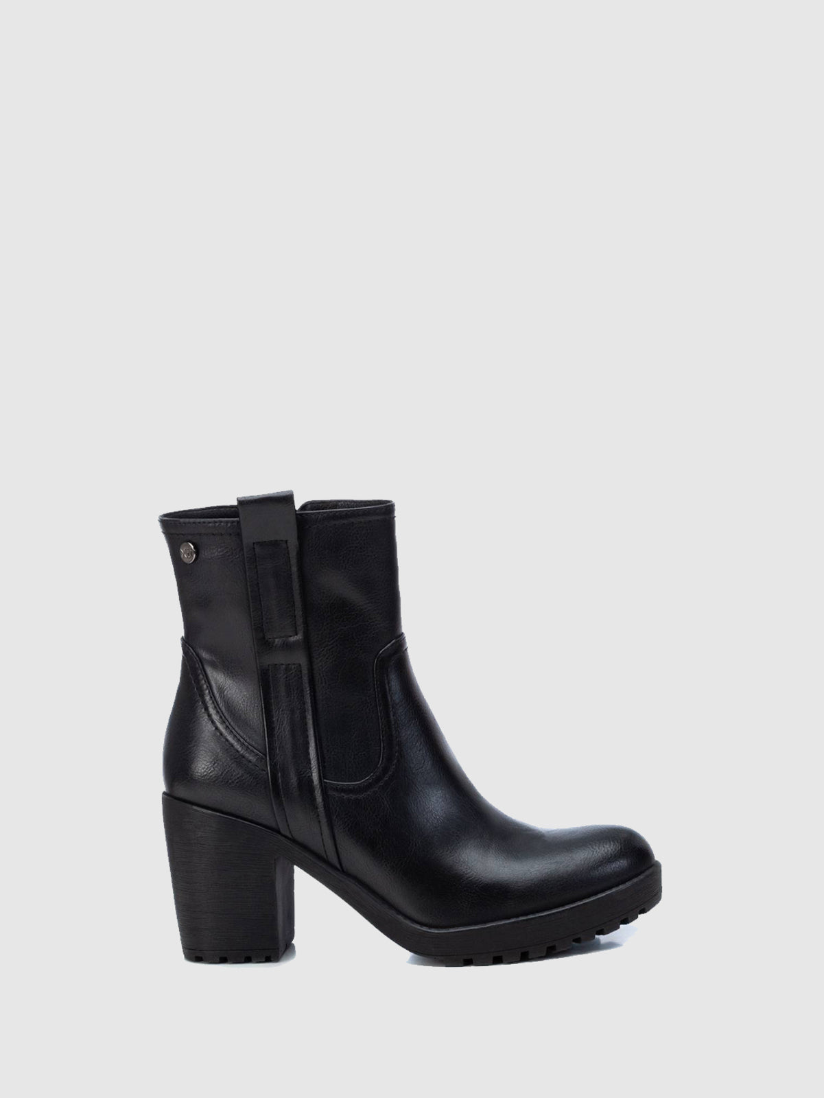 XTI Basic Black Zip Up Ankle Boots