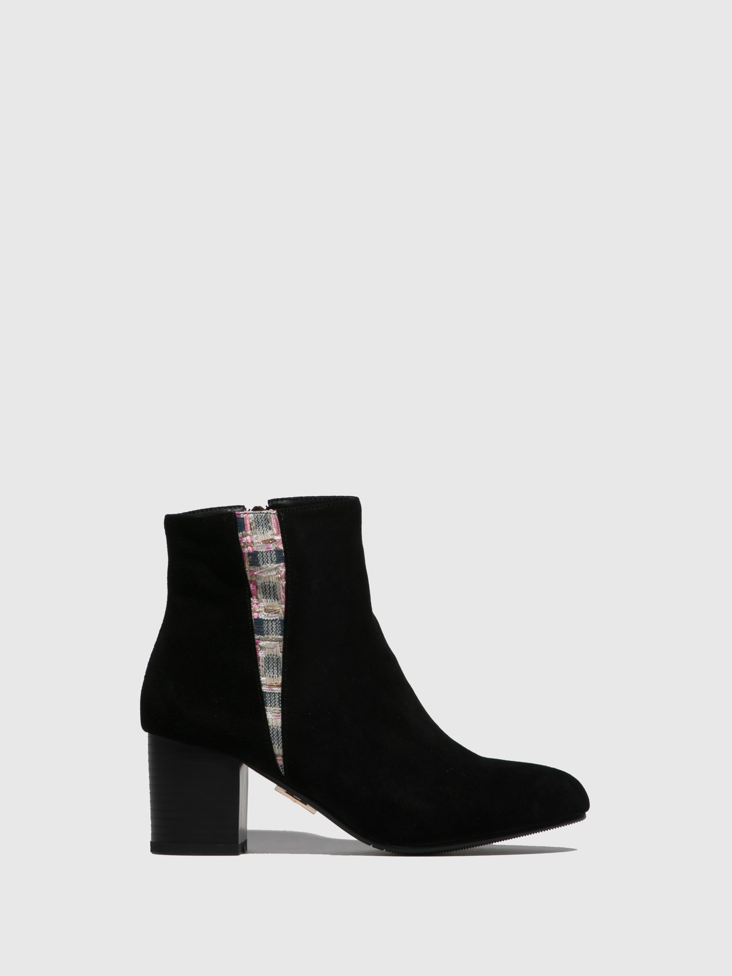 Yull Black Round Toe Ankle Boots