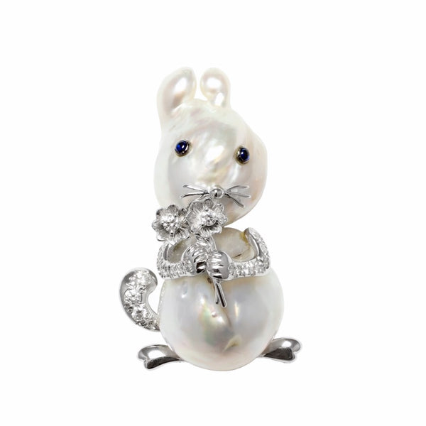 Rabbit in Love Baroque Pearl 18ct White Gold & Diamond Brooch
