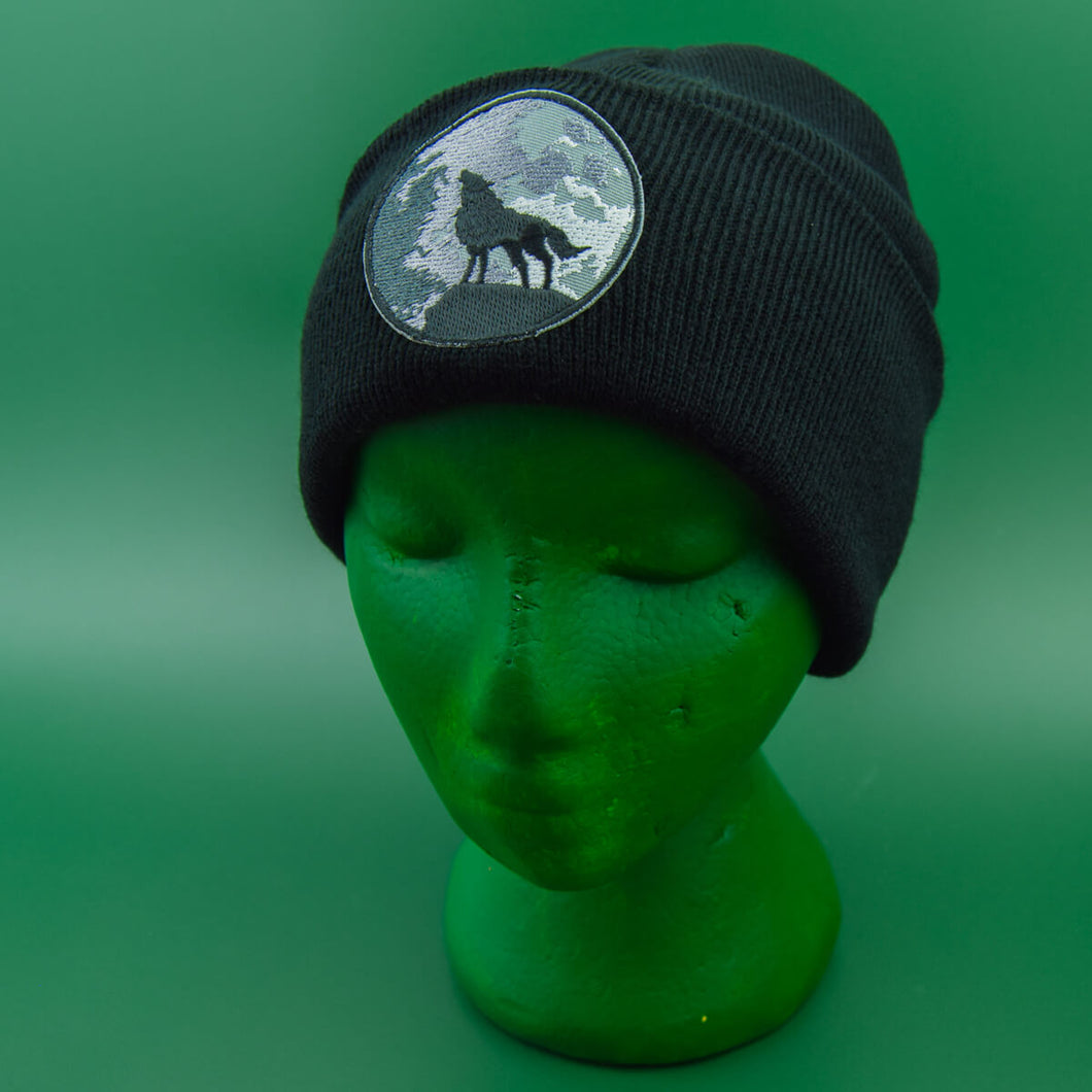 Wolf & Moon Patch Black Beanie | Luna