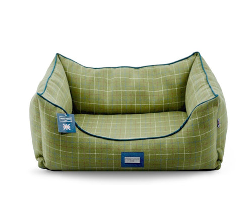 Hugo & Hudson Dark Green Tweed Dog Bed