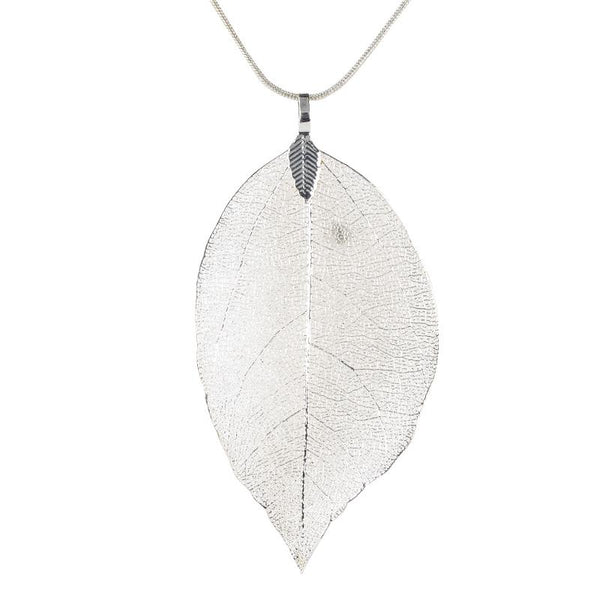 Delicate Leaf Pendant Necklace