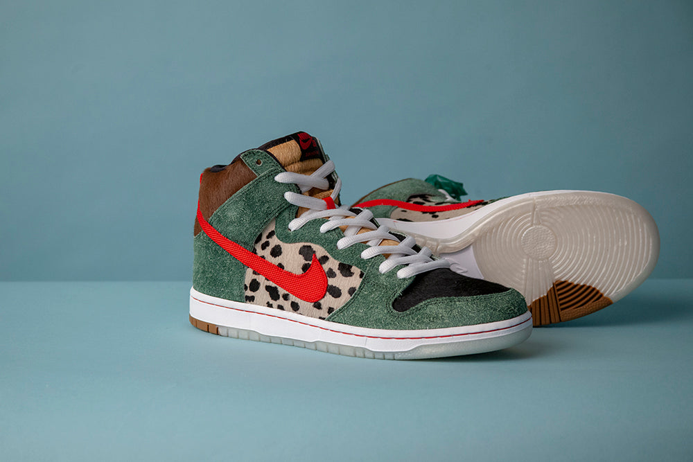 Nike_SB_Dunk_High_Dog_Walker_4/20_Shoe_1
