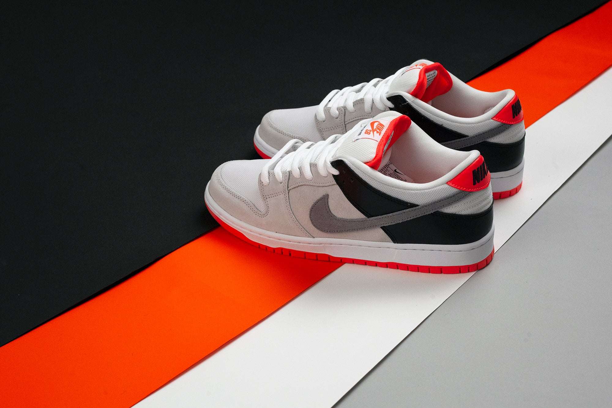 Nike_SB_Dunk_Low_Infared_Orange_Label_4