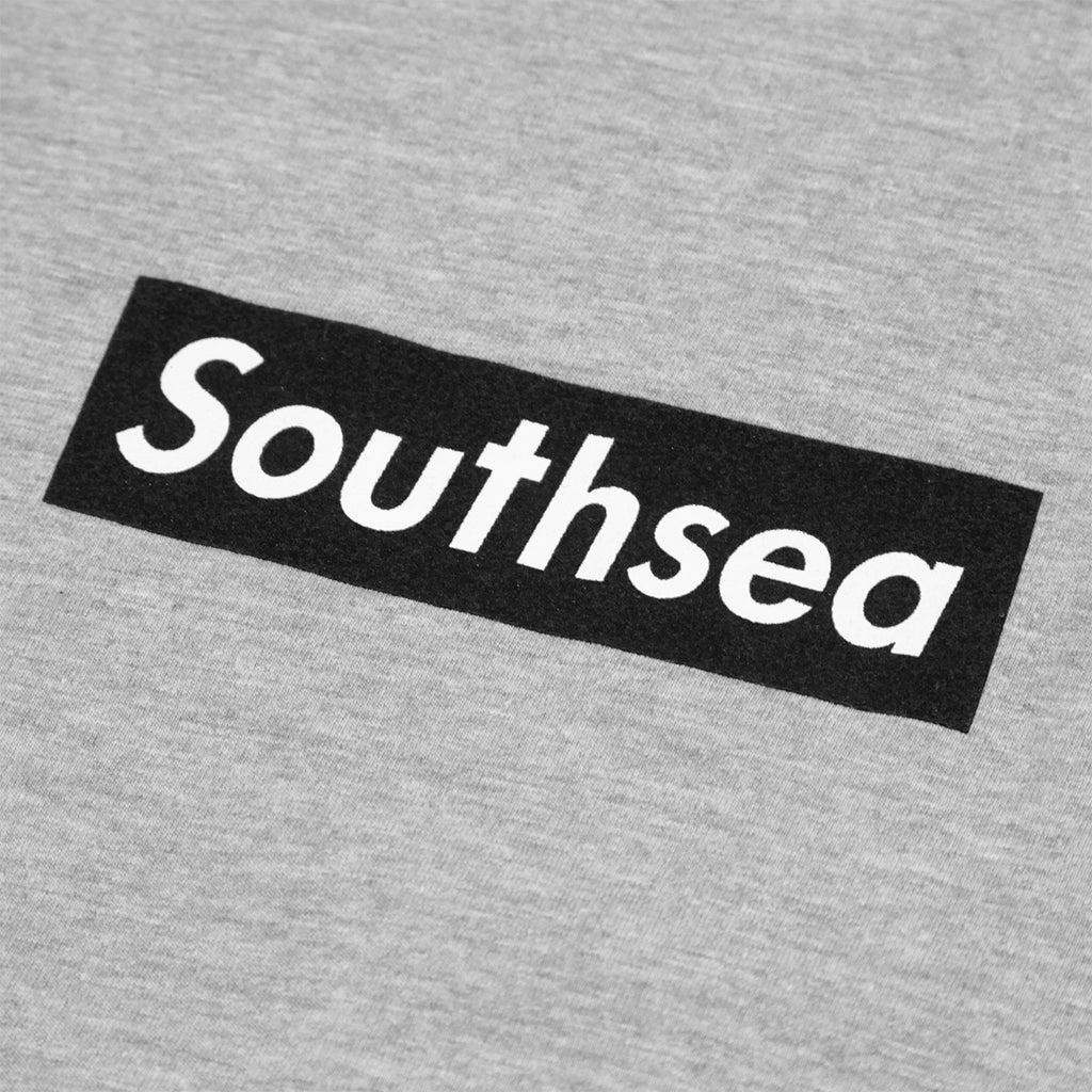"Bored of Southsea ""Southsea"" T Shirt in Heather Grey / Black Box - Print"