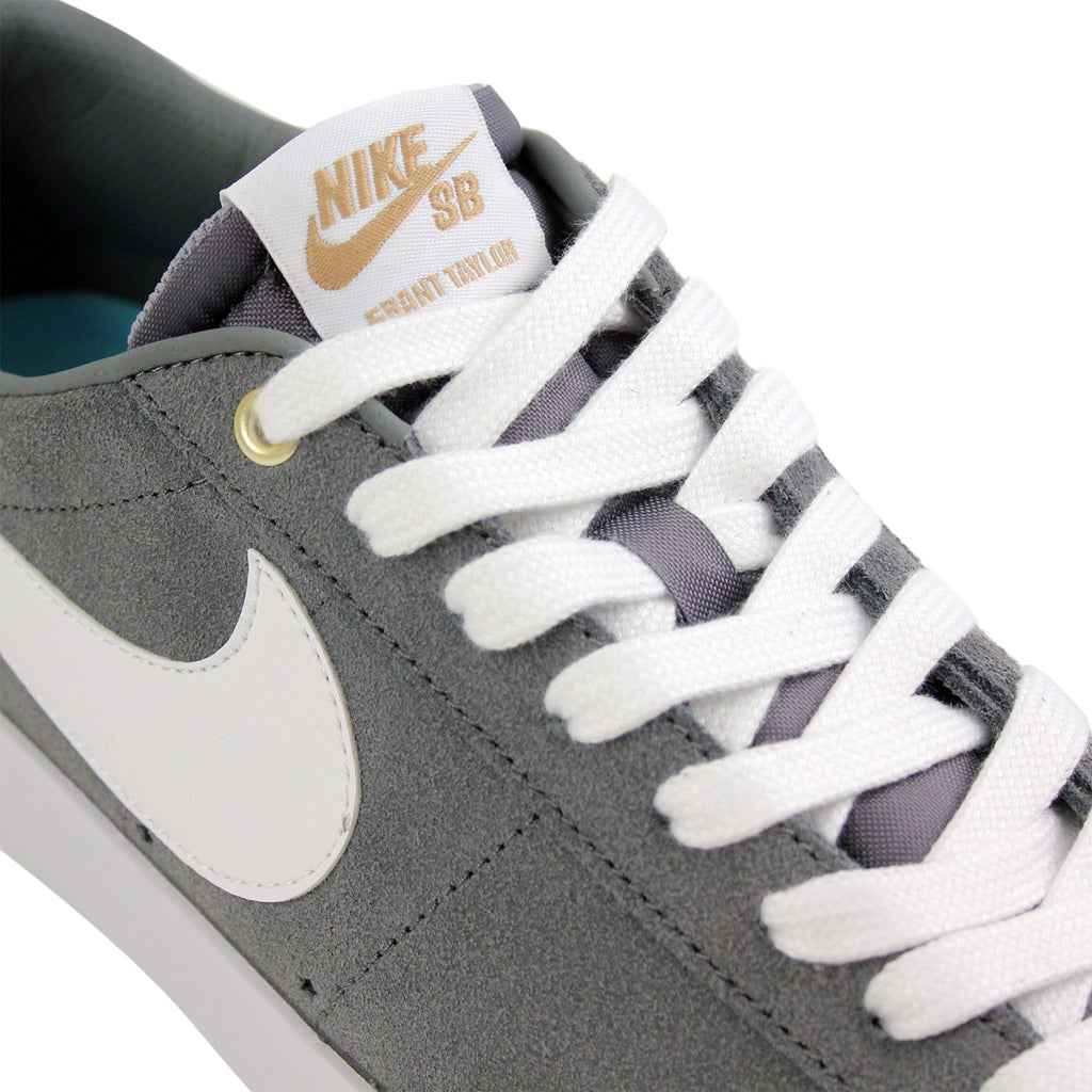 Nike SB Blazer Low Grant Taylor Shoes in Cool Grey / White / Tide Pool Blue - Laces