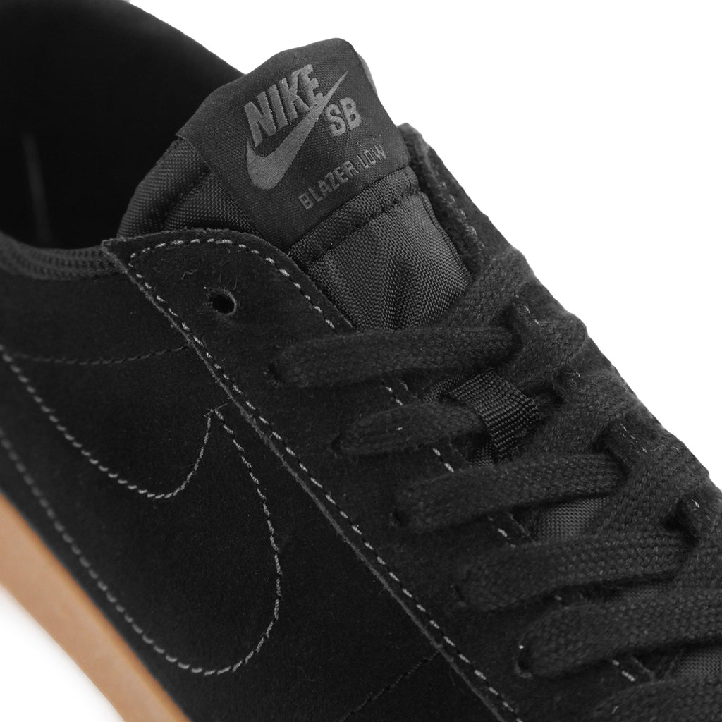 295af6b509ff2 Nike SB Zoom Blazer Low Shoes in Black / Black / Anthracite - Laces
