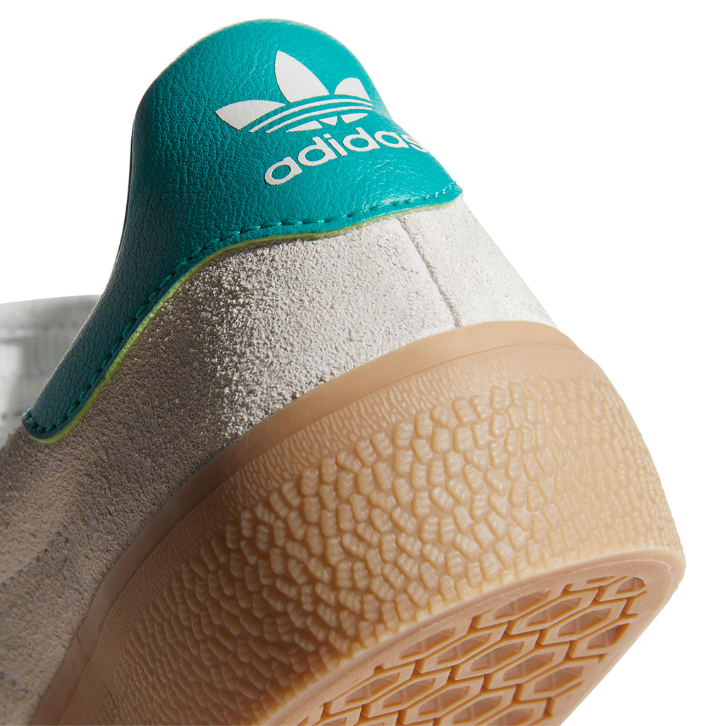 Adidas Skateboarding 3MC Shoes in Chalk White / Glory Green / Gum 4 - Heel