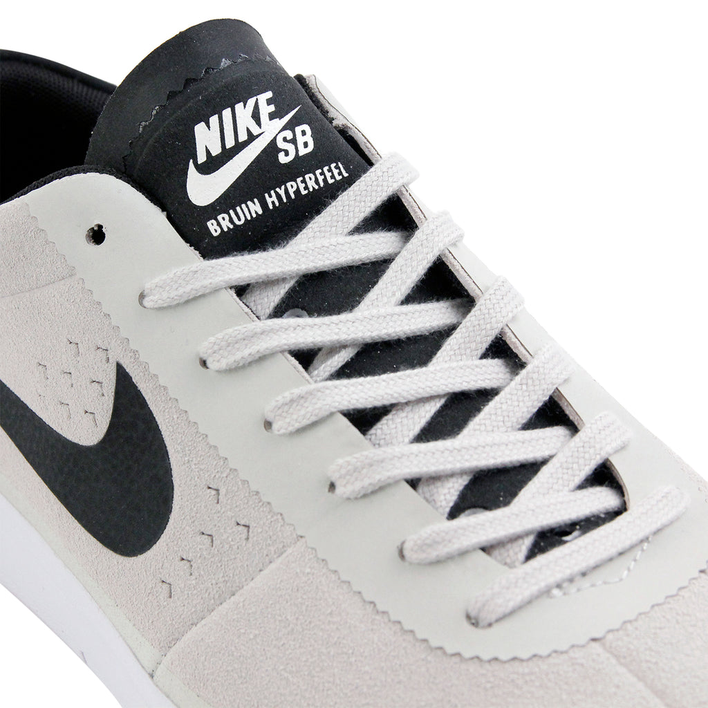 Nike SB Bruin Hyperfeel Shoes in Summit White / Black - White - Detail