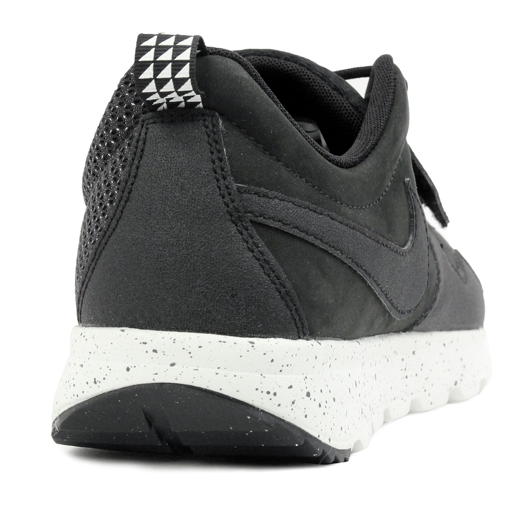 Nike SB Trainerendor SE Shoes in Black / Black / Black  - Heel