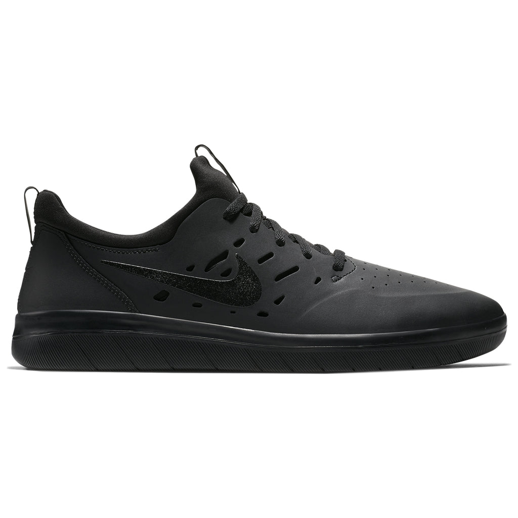Nike SB Nyjah Free Shoes in Black / Black - Black