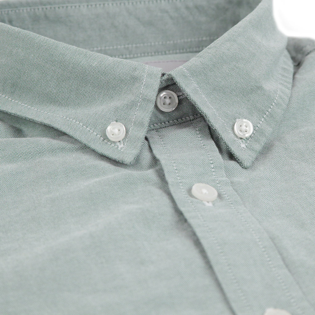 Carhartt L/S Button Down Pocket Shirt in Mojito - Collar