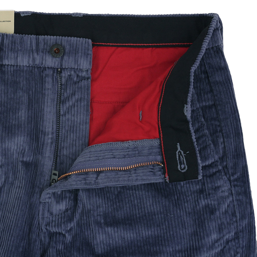 Levis Skateboarding Pleated Trousers in Vintage Indigo - Open fly