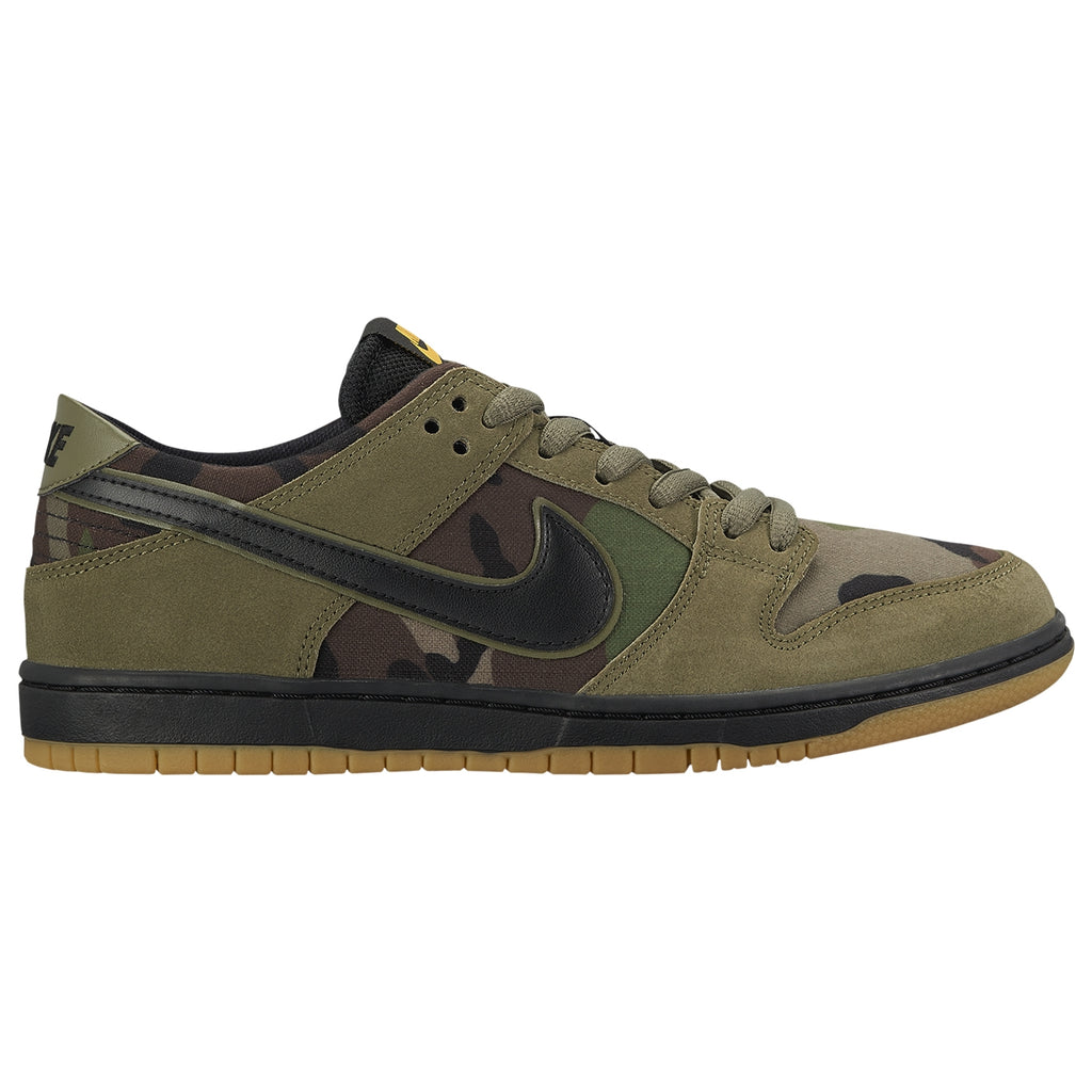 Nike SB Zoom Dunk Low Pro Shoes in Medium Olive / Black