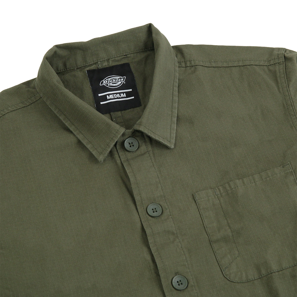 Dickies Kempton Shirt in Dark Olive - Detail