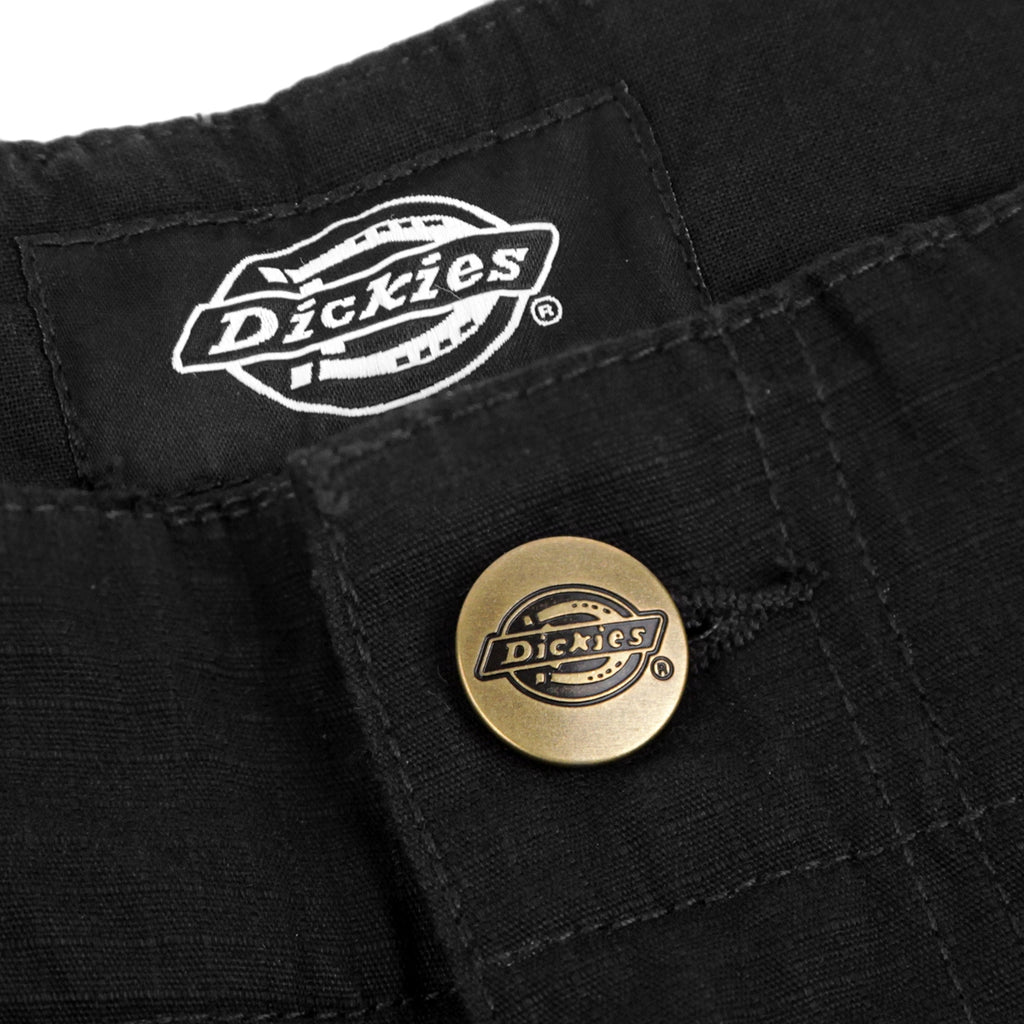 Dickies Whelen Springs Short in Black - Button
