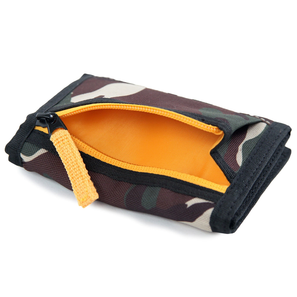 Dickies Crescent Bay Wallet in Camouflage - Unzipped