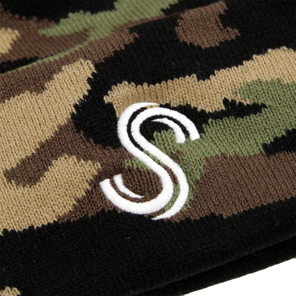 Signature Clothing S Logo Beanie in Camo / White - Detail