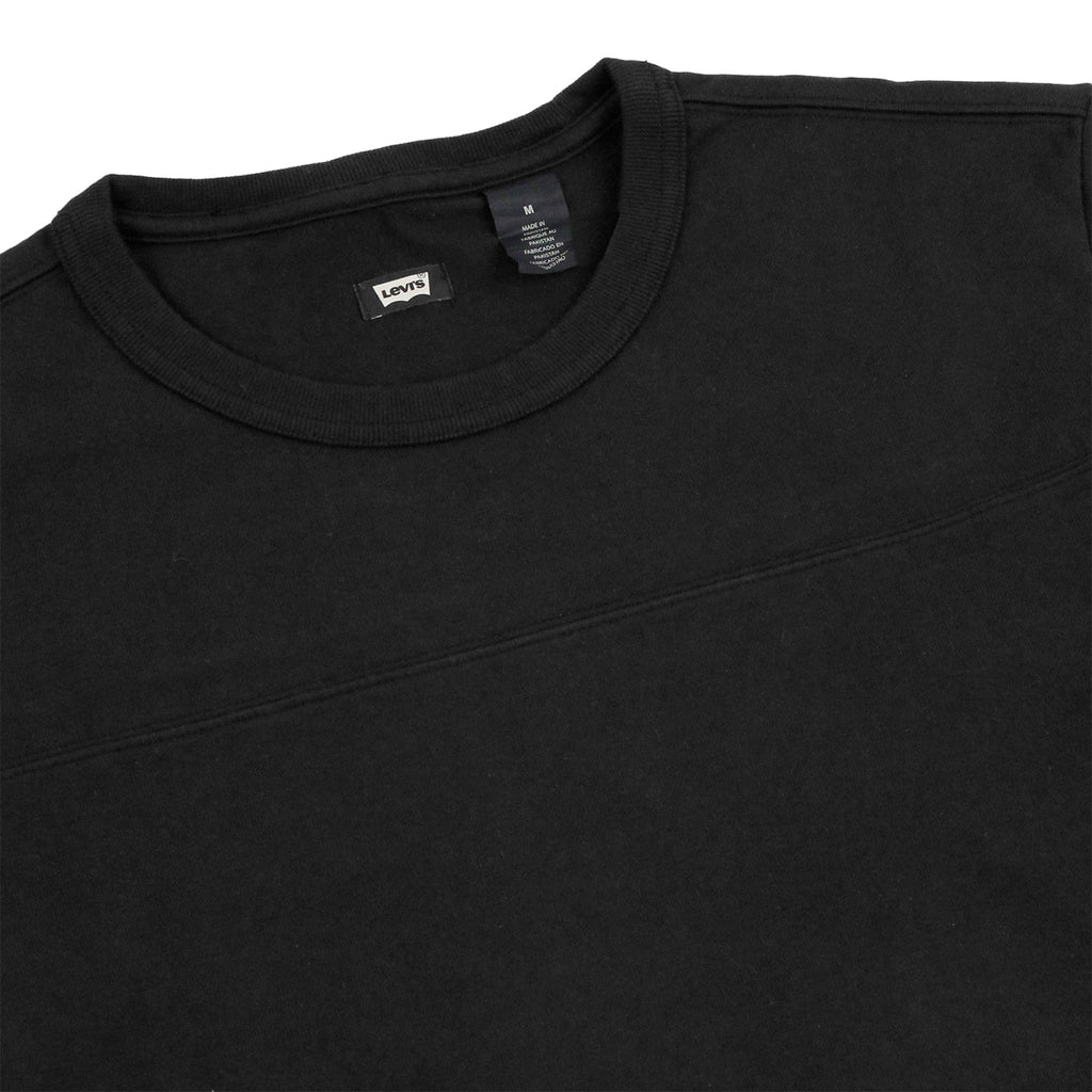 Levis Skateboarding  L/S Football Shirt in Jet Black - Detail