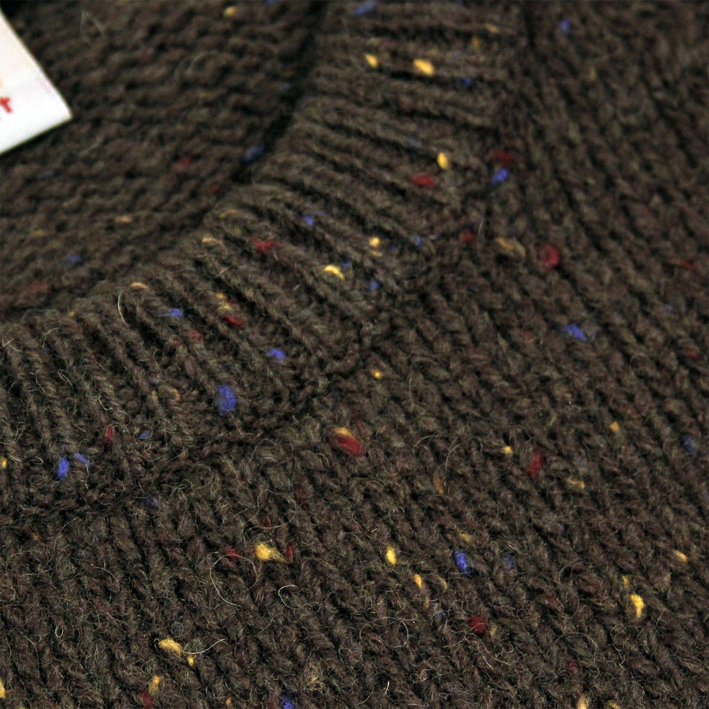 Carhartt Anglistic Sweater in Blackforest Heather - Collar