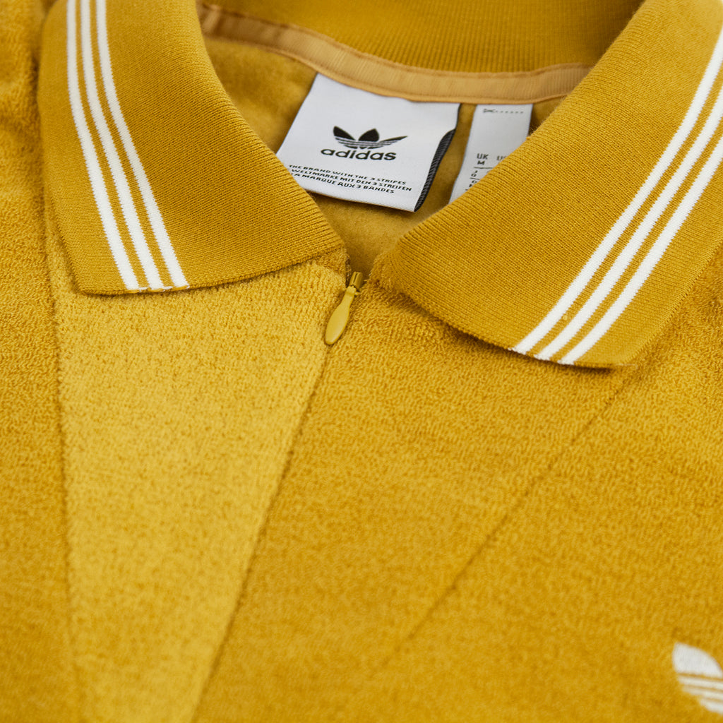 Adidas Skateboarding Bouclette Shirt in Spice Yellow / Off White - Collar