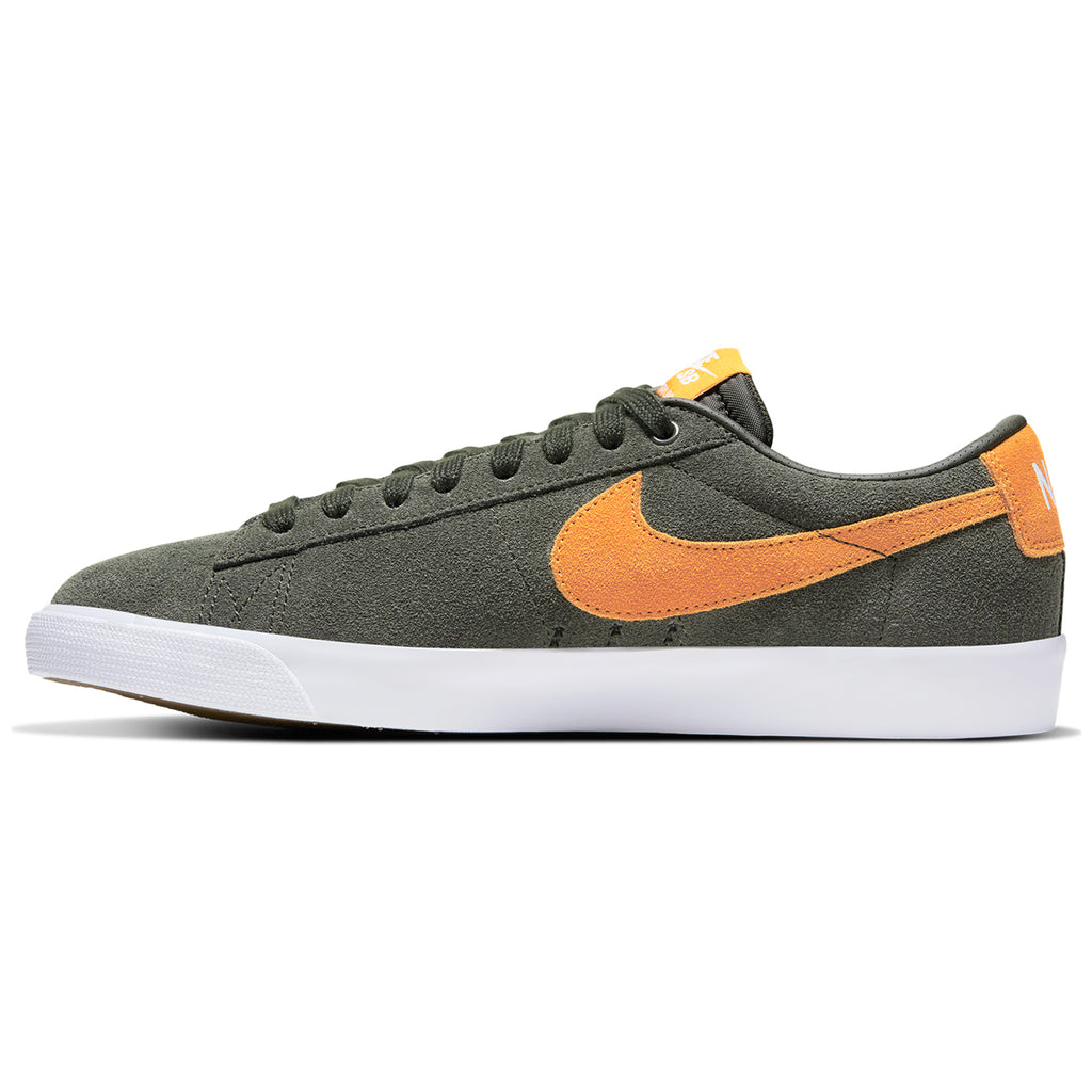 Nike SB Zoom Blazer Low GT Shoes in Sequoia / Kumquat - White - Gum Light Brown - Right