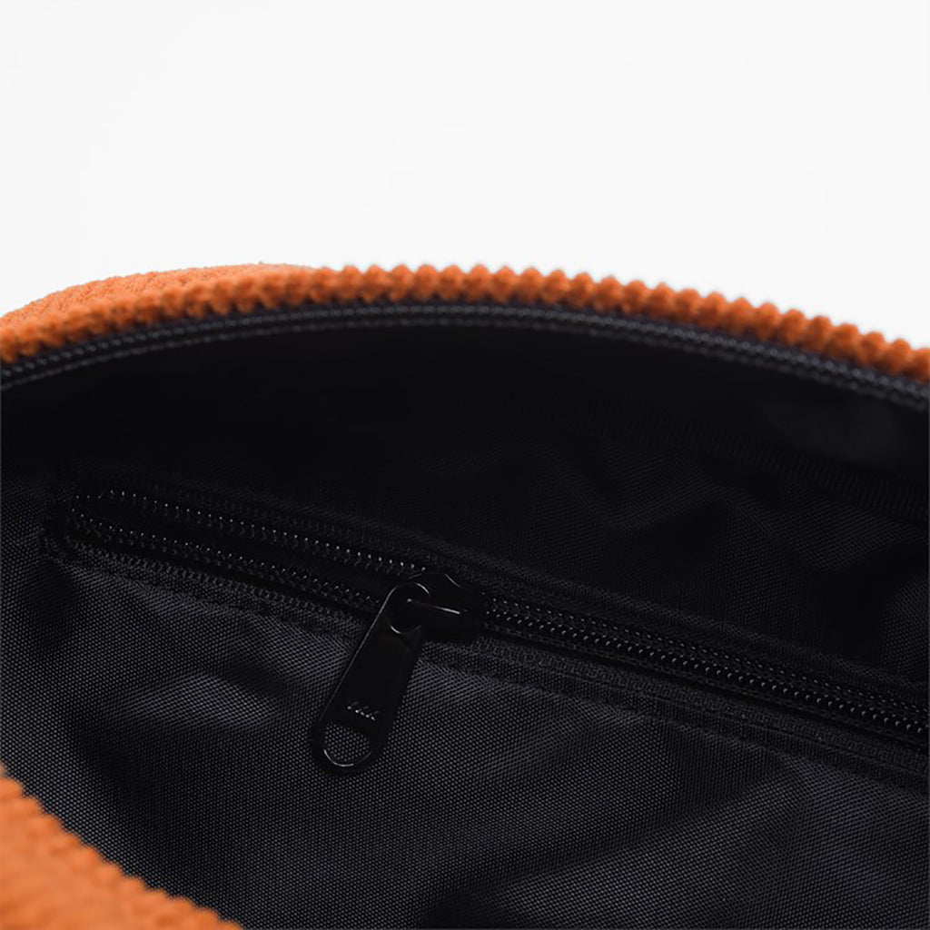 Carhartt WIP Small Cord Bag in Brandy - Detail