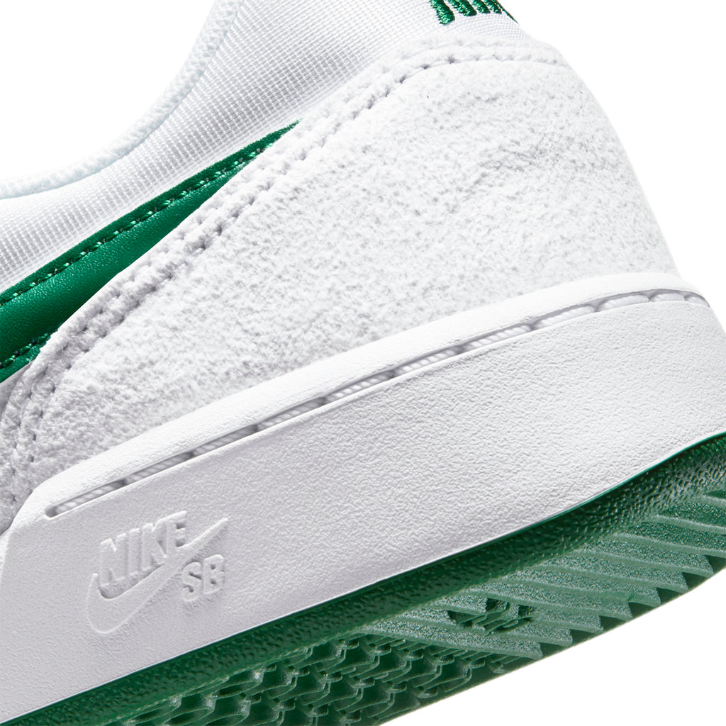 Nike SB GTS Return Premium Shoes in White / Pine Green - White - Heel