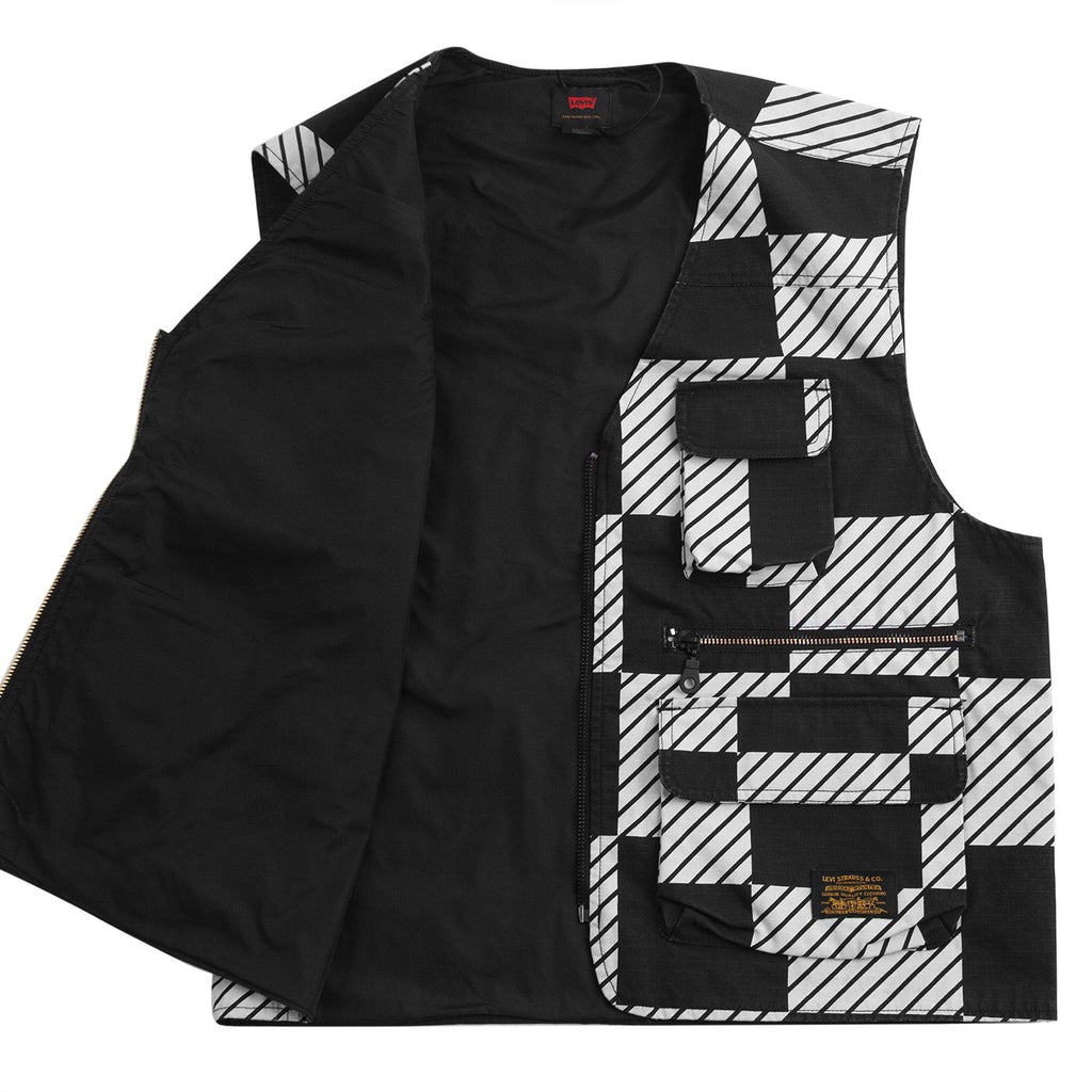 Levis Skateboarding Skate Utility Vest in Kelly Checkers Black - Open