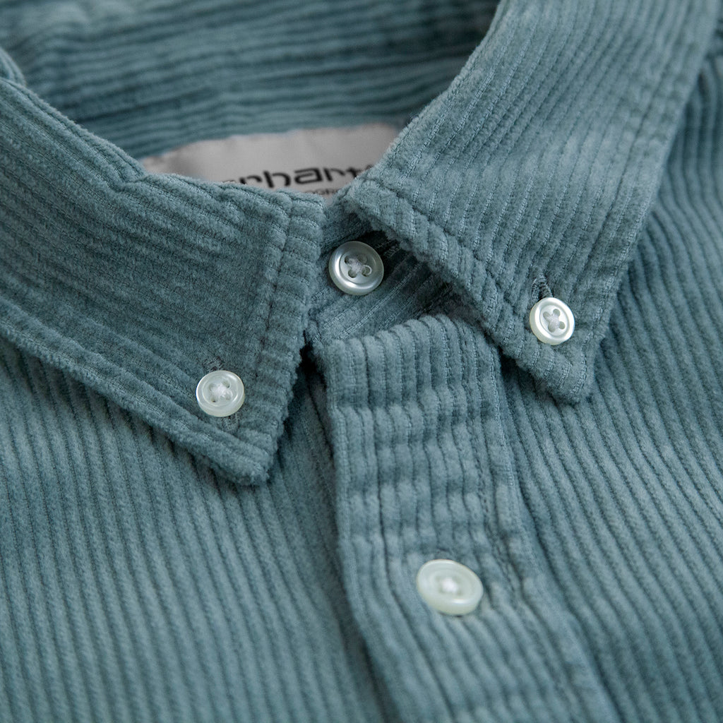 Carhartt L/S Madison Cord Shirt in Cloudy / Flour - Collar