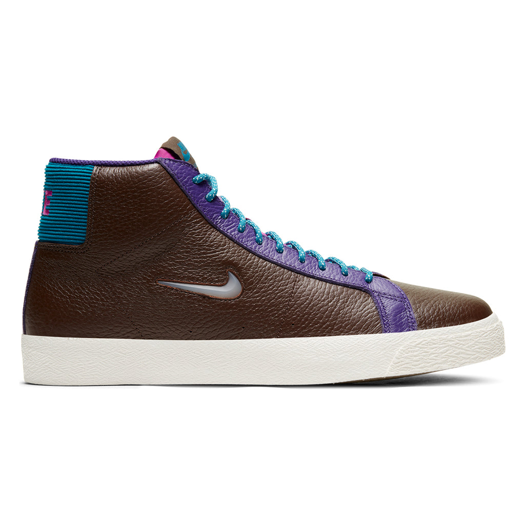 Nike SB Zoom Blazer Mid Premium Shoes in Baroque Brown / White