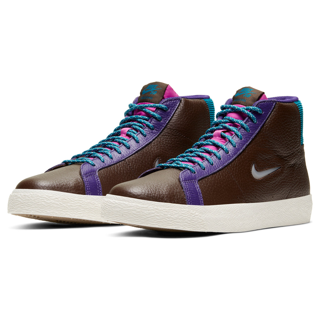 Nike SB Zoom Blazer Mid Premium Shoes in Baroque Brown / White - Pair