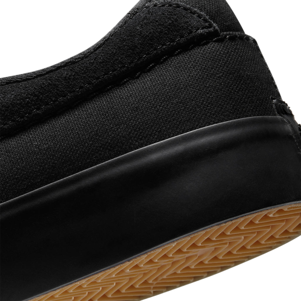 Nike SB Shane Shoes in Black / Black - Heel