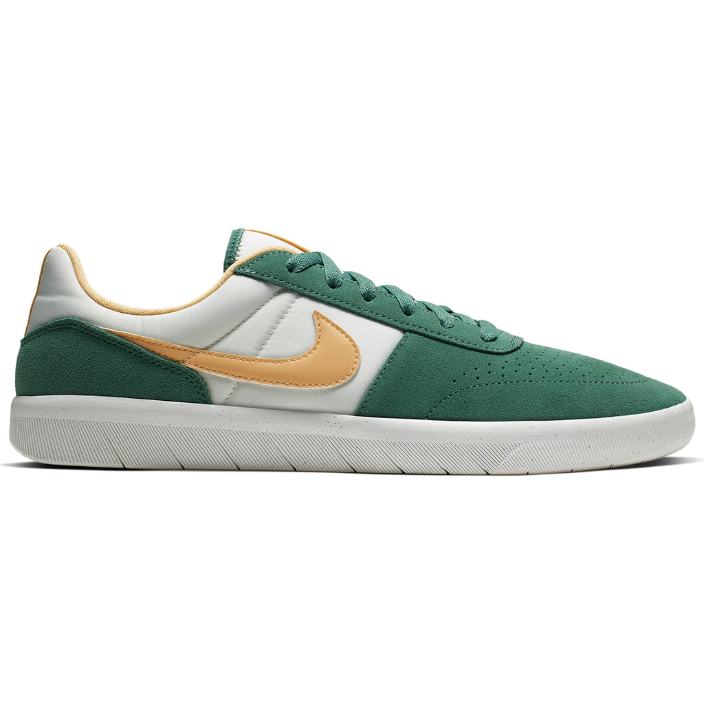 Nike SB Team Classic Shoes in Bicoastal / Celestial Gold - White