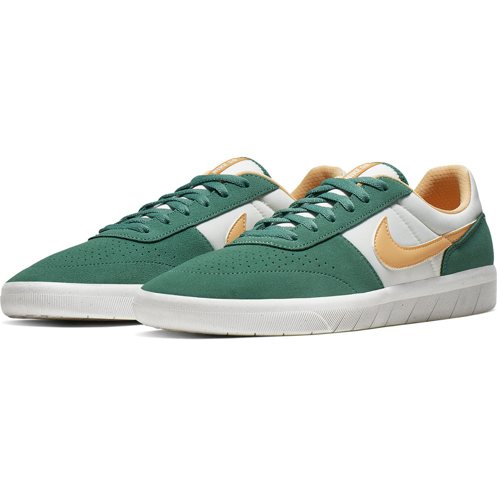 Nike SB Team Classic Shoes in Bicoastal / Celestial Gold - White - Pair