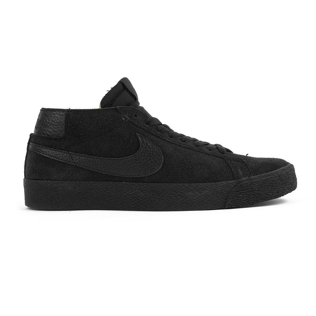 Nike SB Zoom Blazer Chukka Shoes in Black / Black