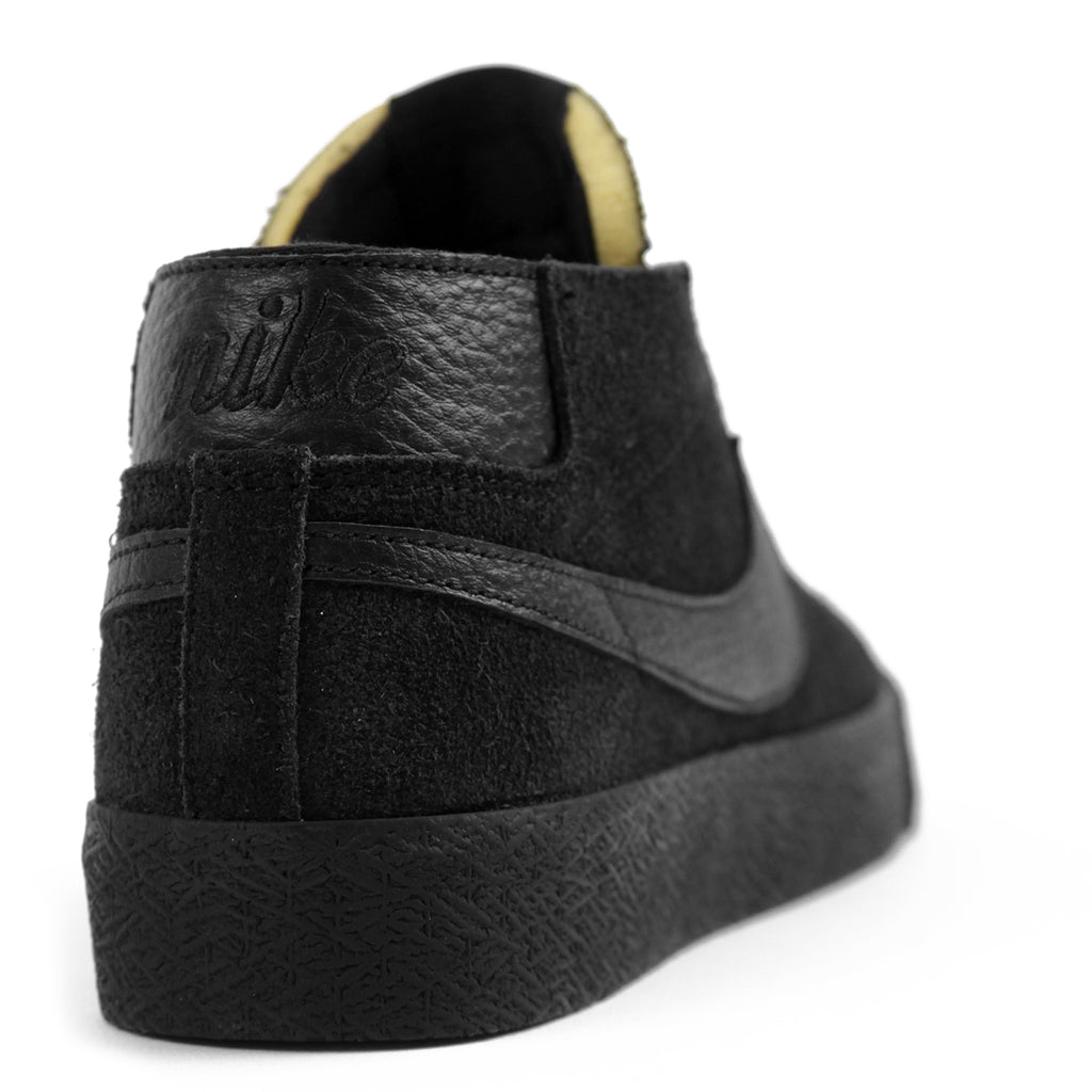 Nike SB Zoom Blazer Chukka Shoes in Black / Black - Heel