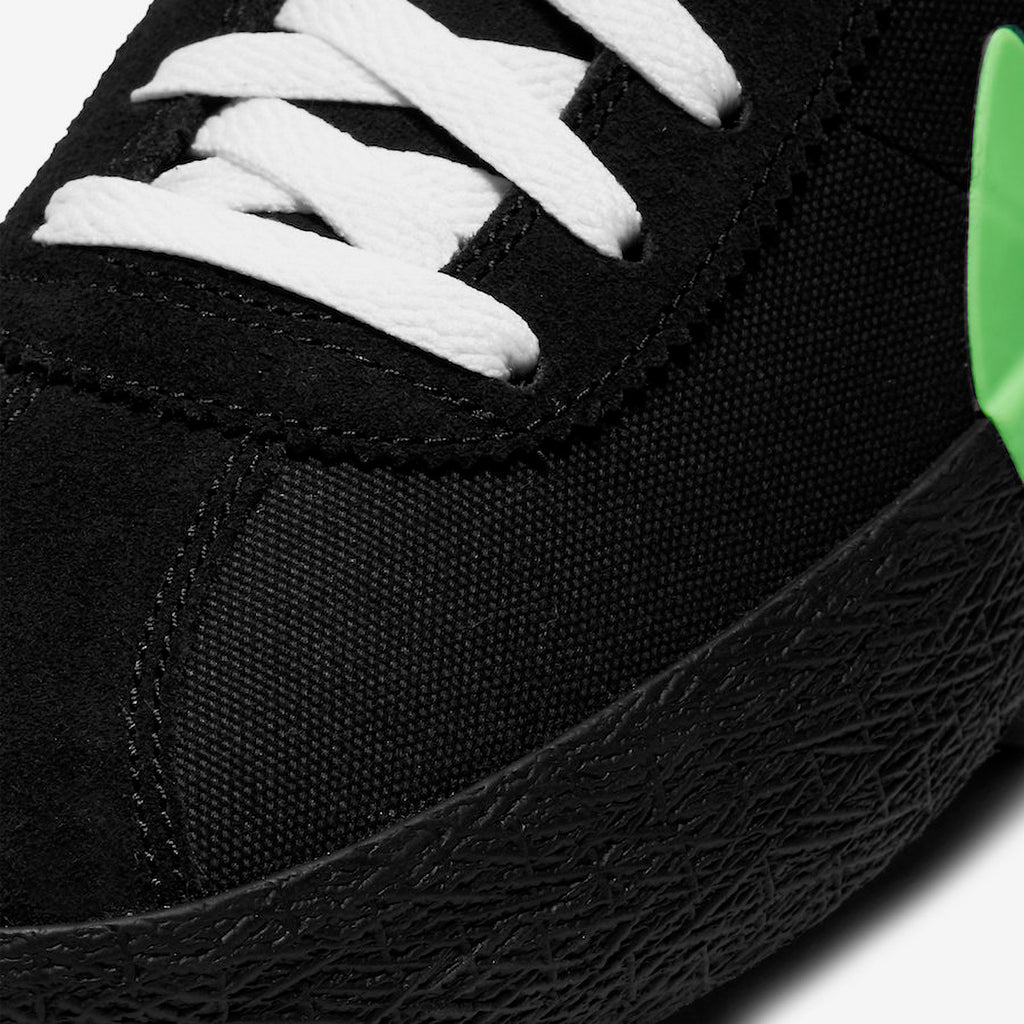 Nike SB x Poets Zoom Bruin QS Shoes in Black / Voltage Green - White - Toe Box