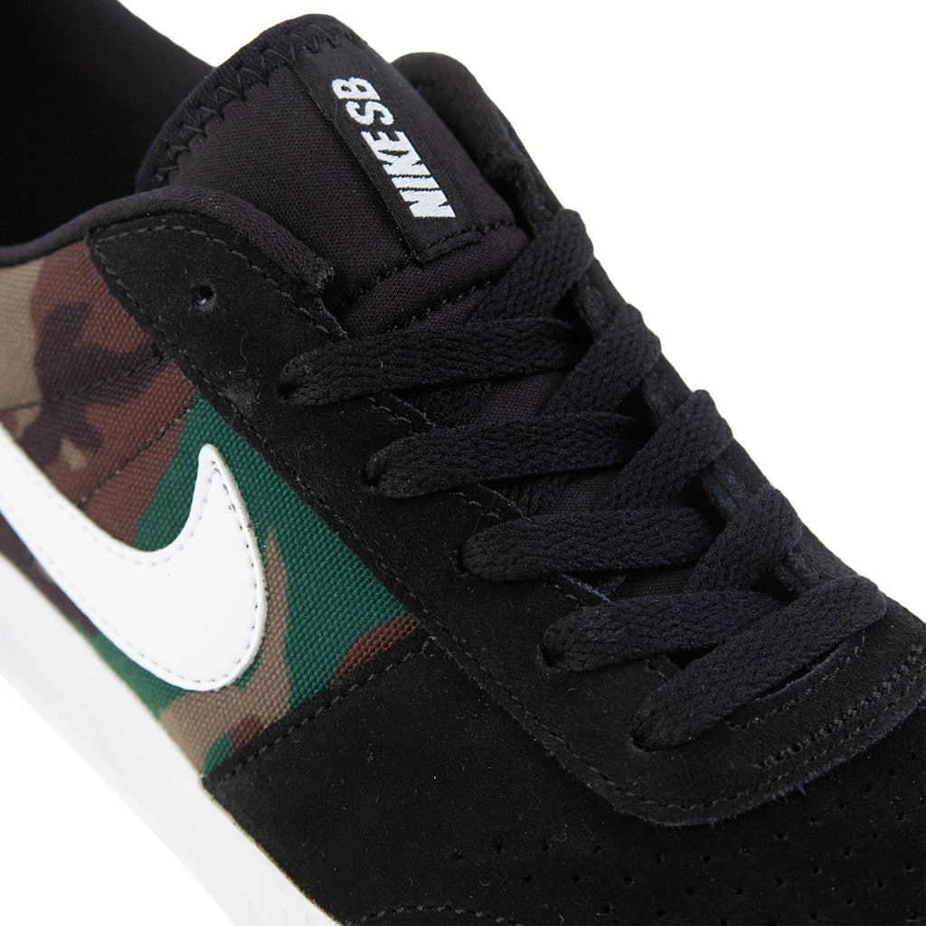 Nike SB Team Classic Shoes in Black / White - Detail