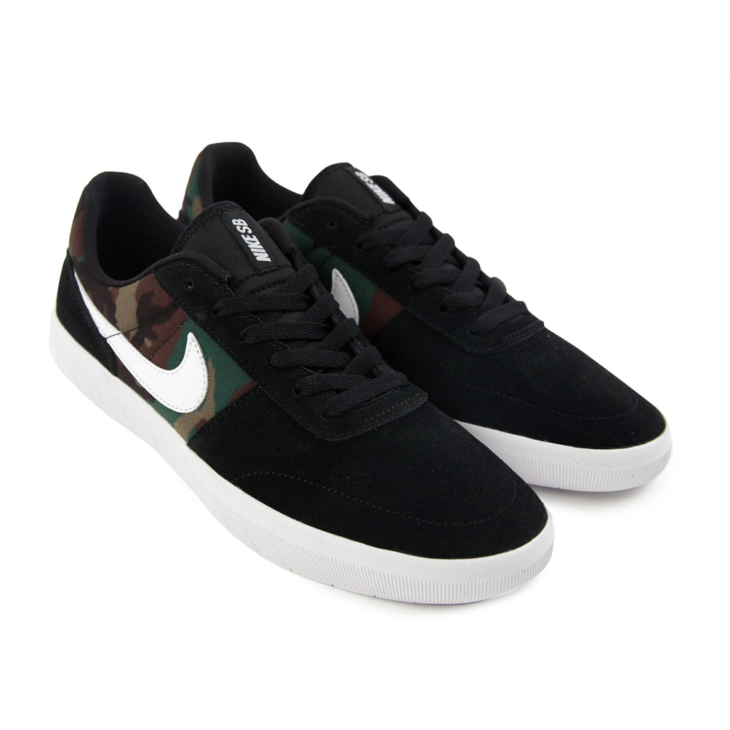 Nike SB Team Classic Shoes in Black / White - Pair