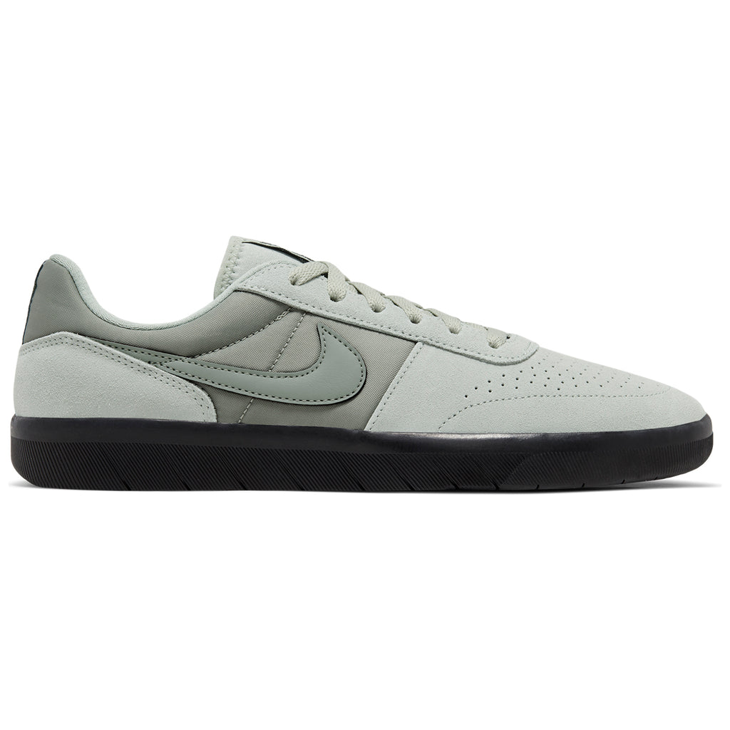 Nike SB Team Classic Shoes in Jade Horizon / Jade Horizon - Black
