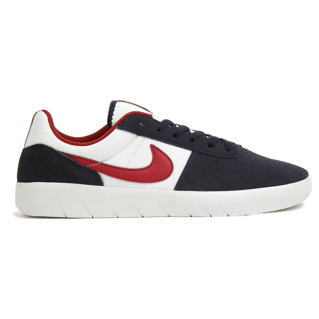 Nike SB Team Classic Shoes in Obsidian / Team Red - Summit White